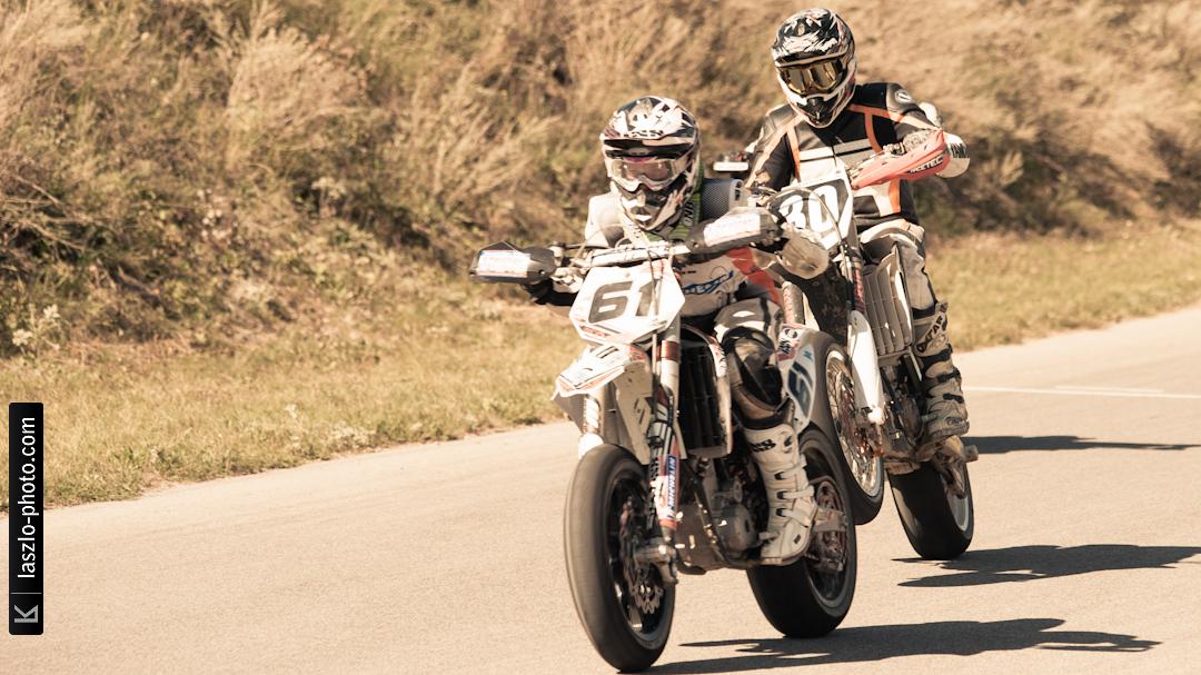 Supermoto - Chicks on Bikes