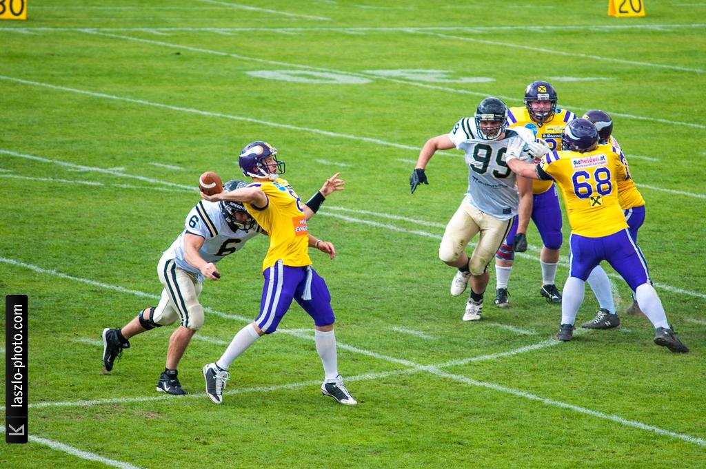 VikingsPanthers_2012HW-9629